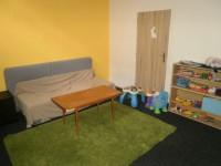 P6020359 - Klidně můžete přijít i s dětmi. První místnost je určená pro děti, druhá místnost je určená k modlitbám.
